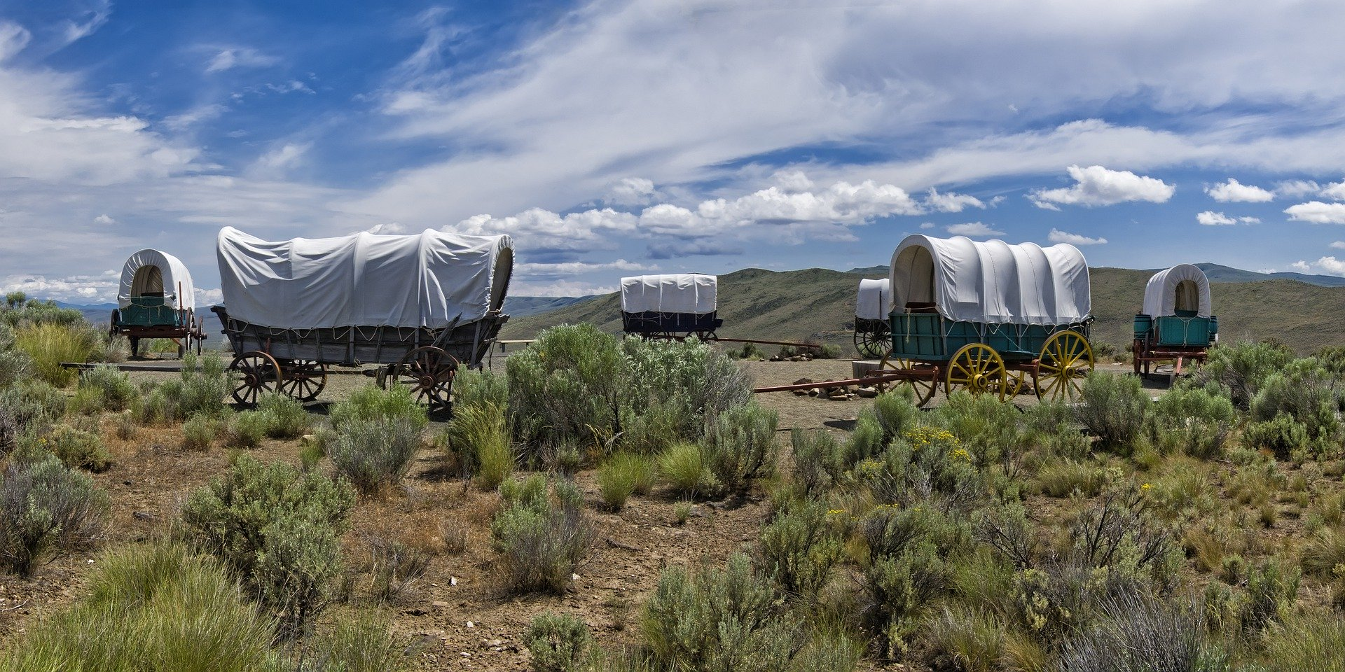 covered wagons circled