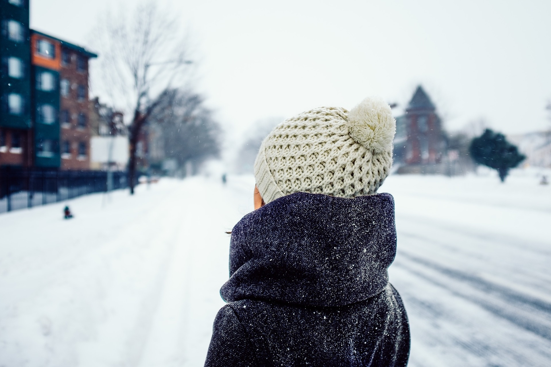 girl in winter with hat